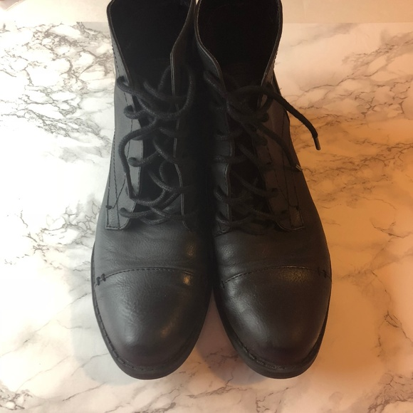 Sam And Libby Short Black Laceup Boots